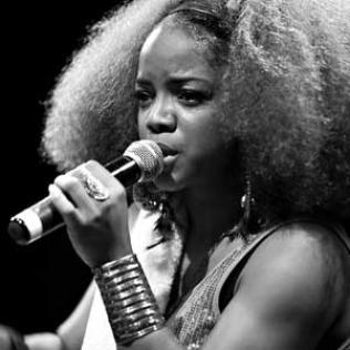 Leela James: Pigalle 29/07/10 copyright@bluesandsoul.com