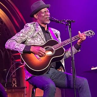 Keb Mo: Union chapel, London 2/7/19 @bluesandsoul.com